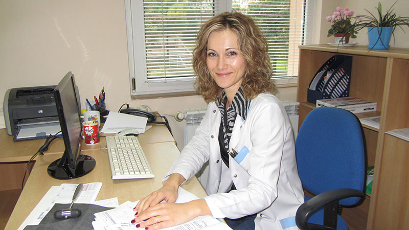 Dr. Ana Veskova Shopova, MD, PhD, assistent