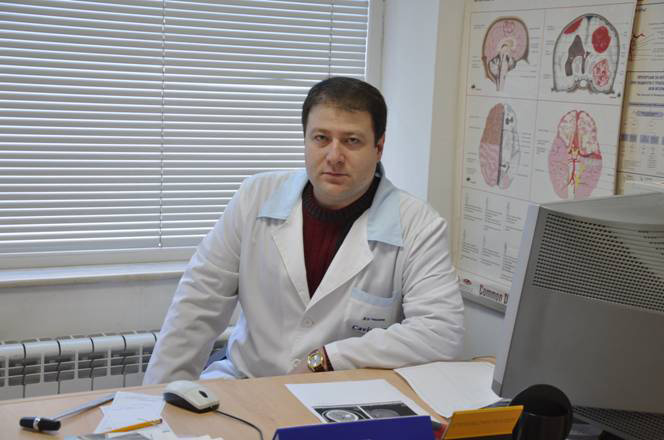 Assistant Nino Tomov Chaushev, MD, PhD, assistent